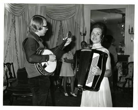 Musicians at Mansion